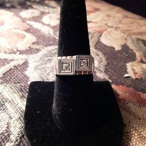 Mens vintage 14k gold ring w 2 small diamonds